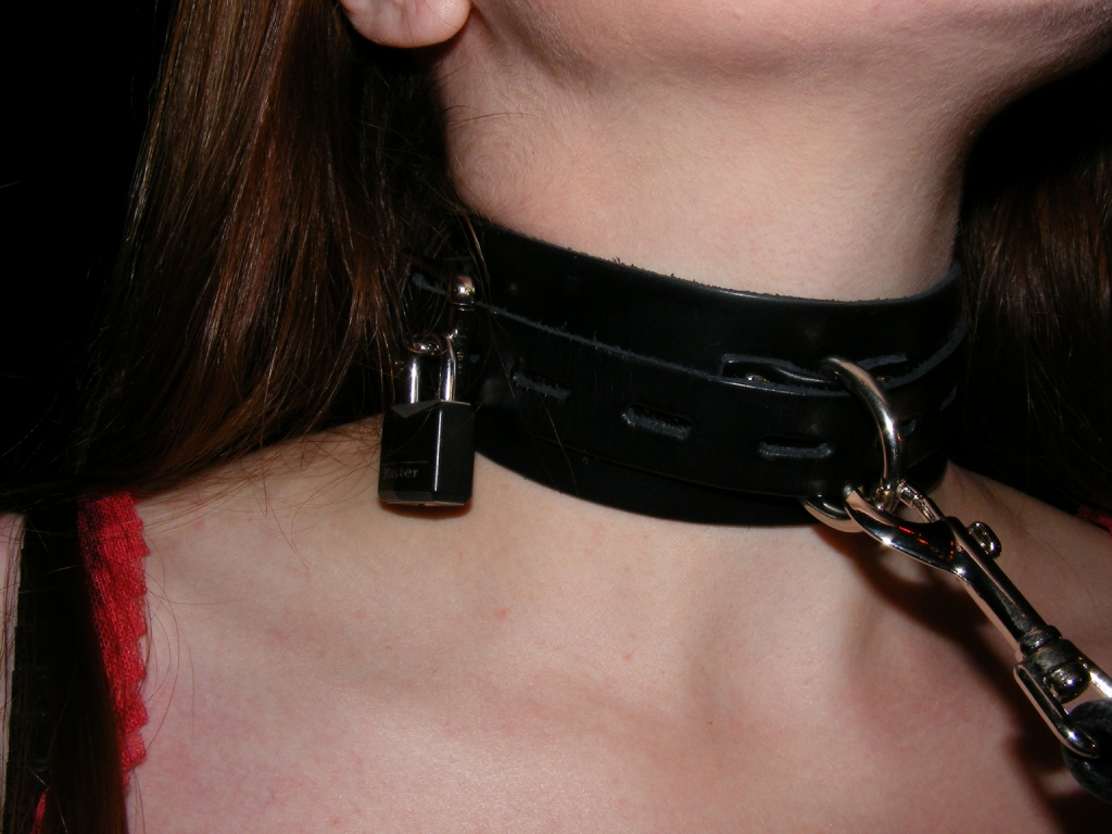 collar Woman slave leash on